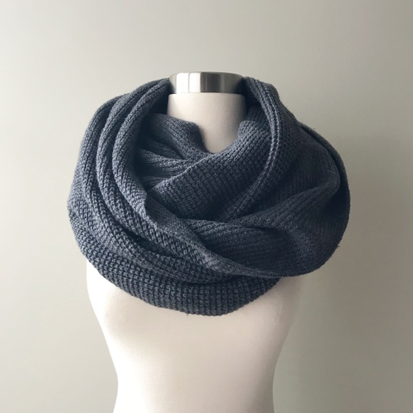 192cb9daf17e3 J. Crew Factory Accessories - 🗻 J. Crew Factory Thick Knit Gray Infinity  Scarf